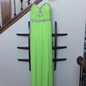 Dresses & Skirts - Strapless Lime Green Gown